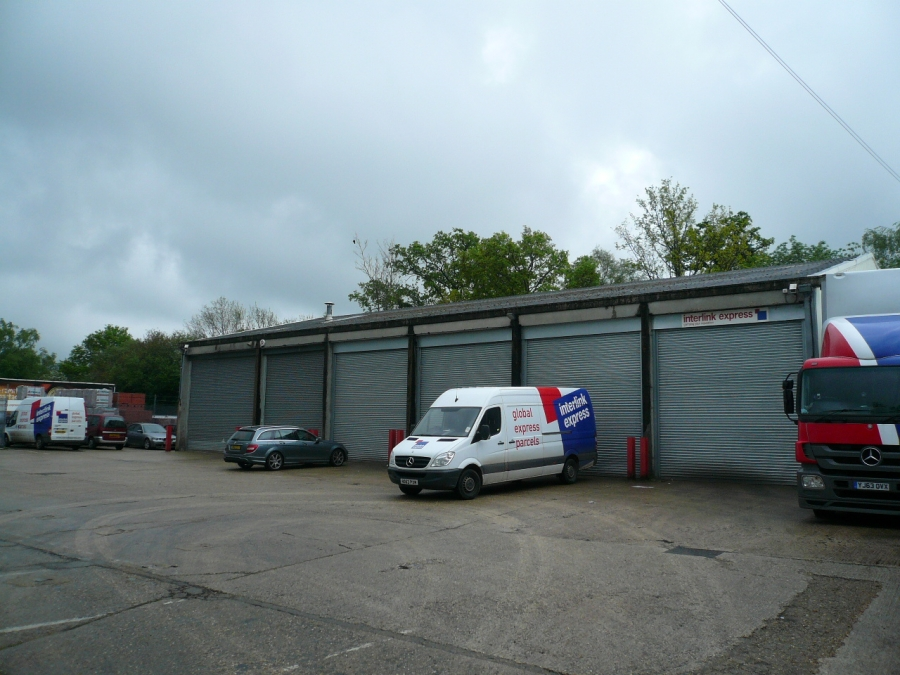 Let – Warehouse/Industrial unit comprising of 6,537 sq ft – The Common, Cranleigh