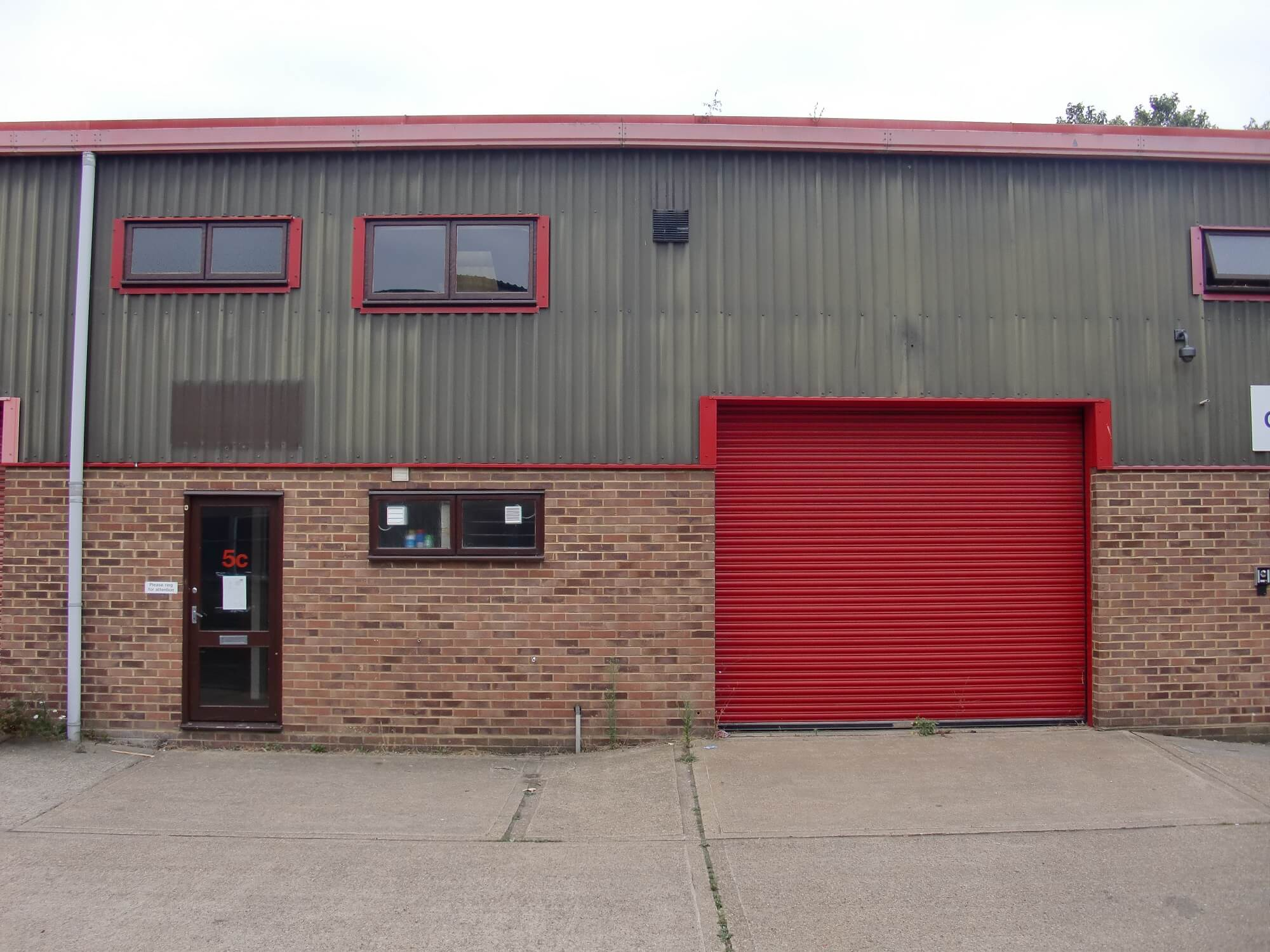 MR Dental takes warehouse property in Woking