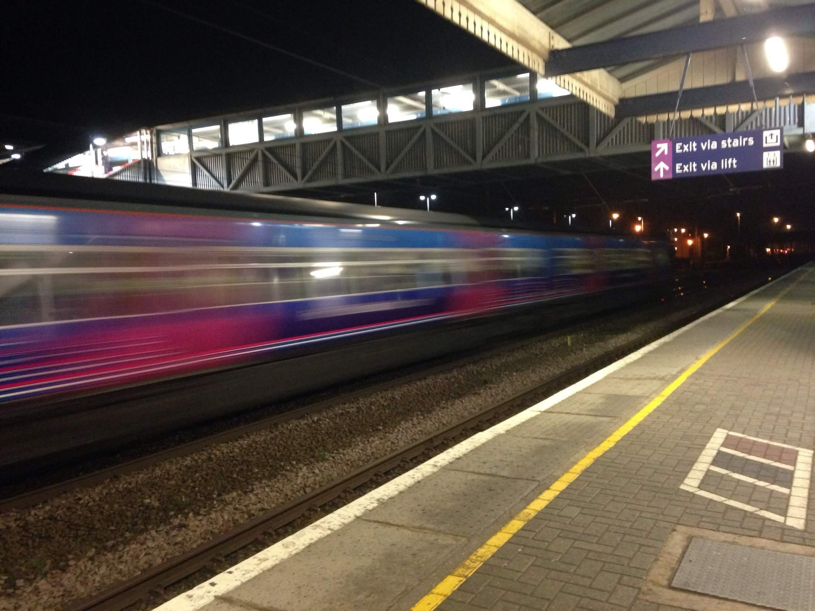 7 Reasons that Train Travel makes Woking a Great Business Location