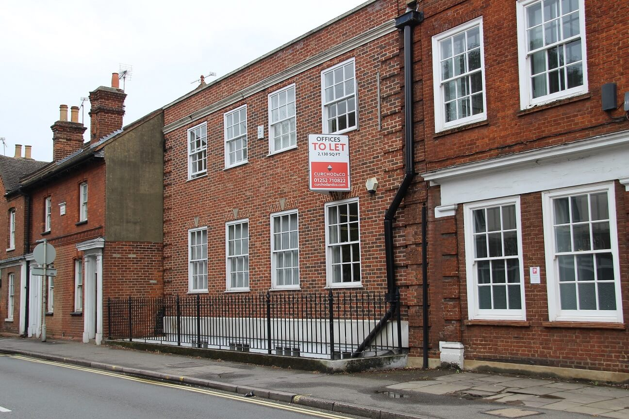 Farnham office property let to executive search business