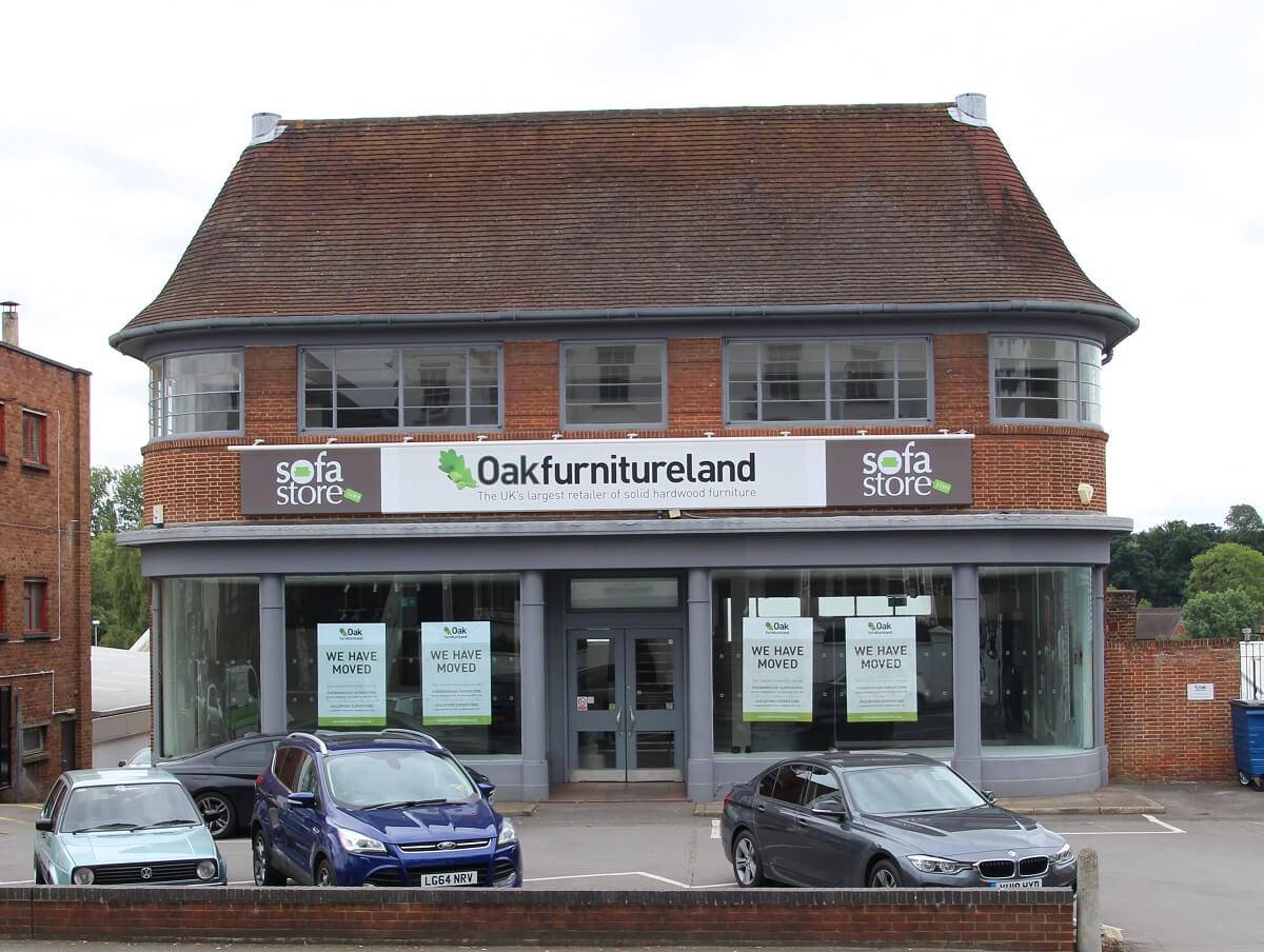 New veterinary hospital to open following retail property letting in Farnham